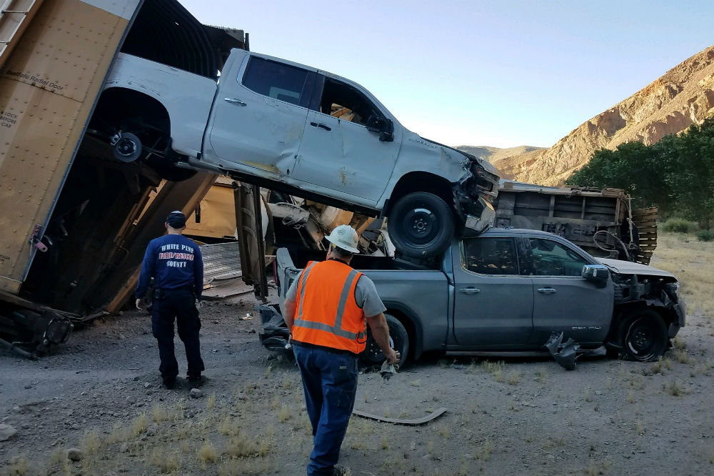 Descarrila un tren cargado de Jeep Gladiator