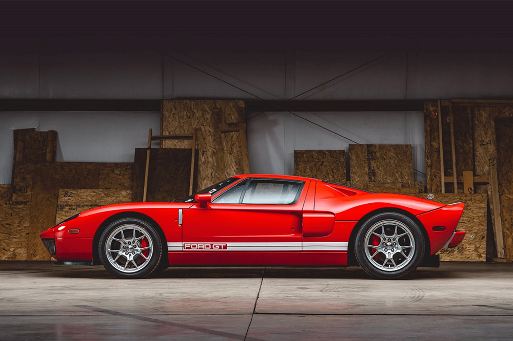 Ford GT de 2006 lateral
