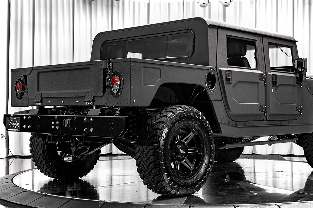 Hummer H1 de Mil-Spec Automotive trasera