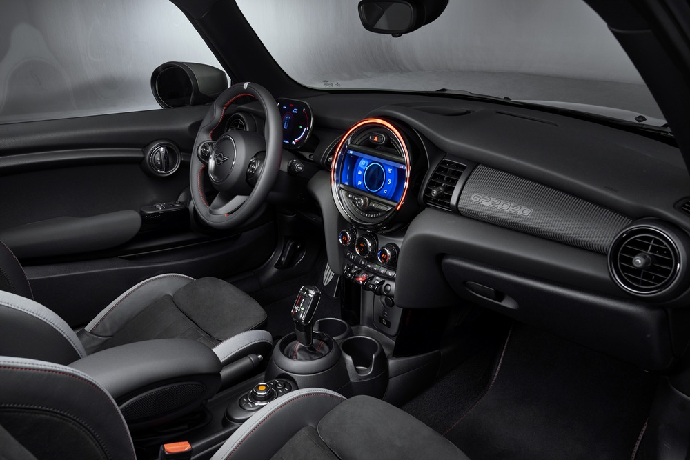 MINI John Cooper Works GP 2020 habitáculo