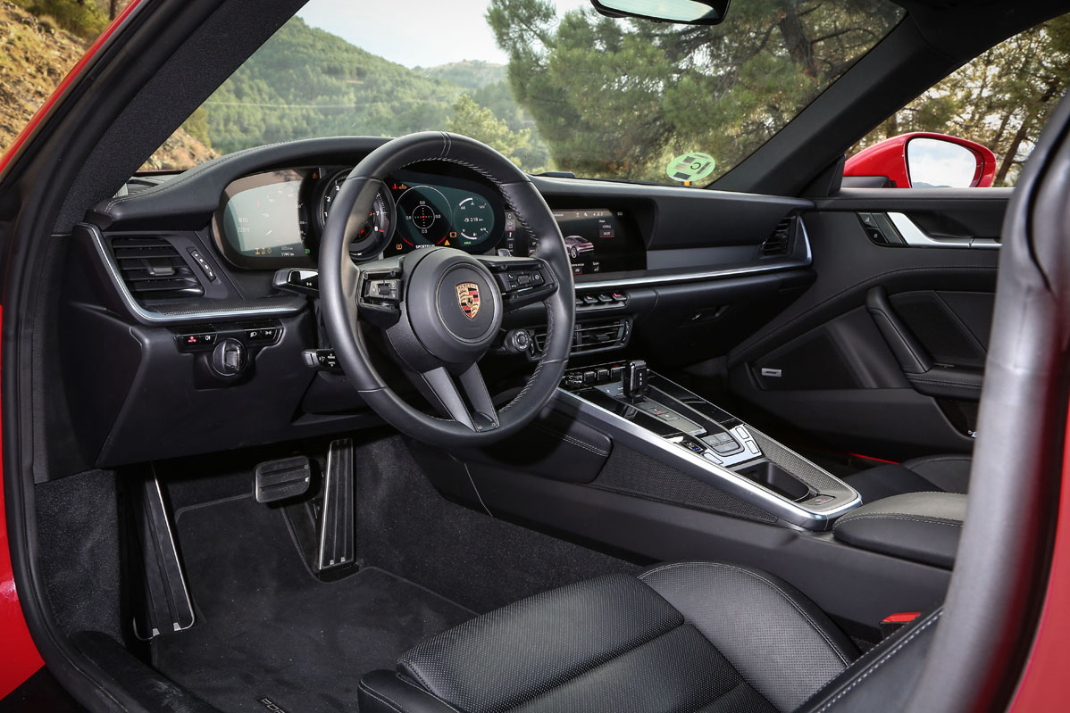 interior Porsche 911 Carrera 4S Coupé 2019