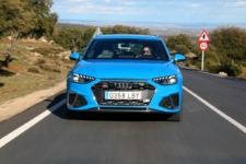 movimiento frontal Audi S4 Avant TDI