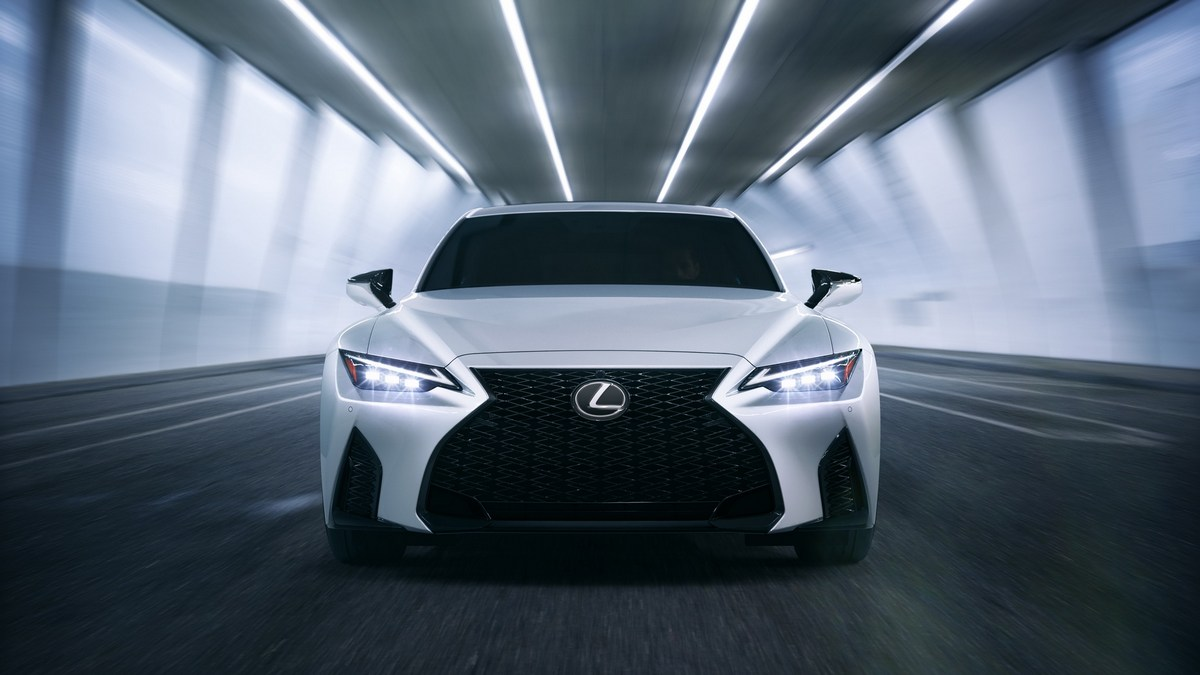 Lexus IS 2021 morro