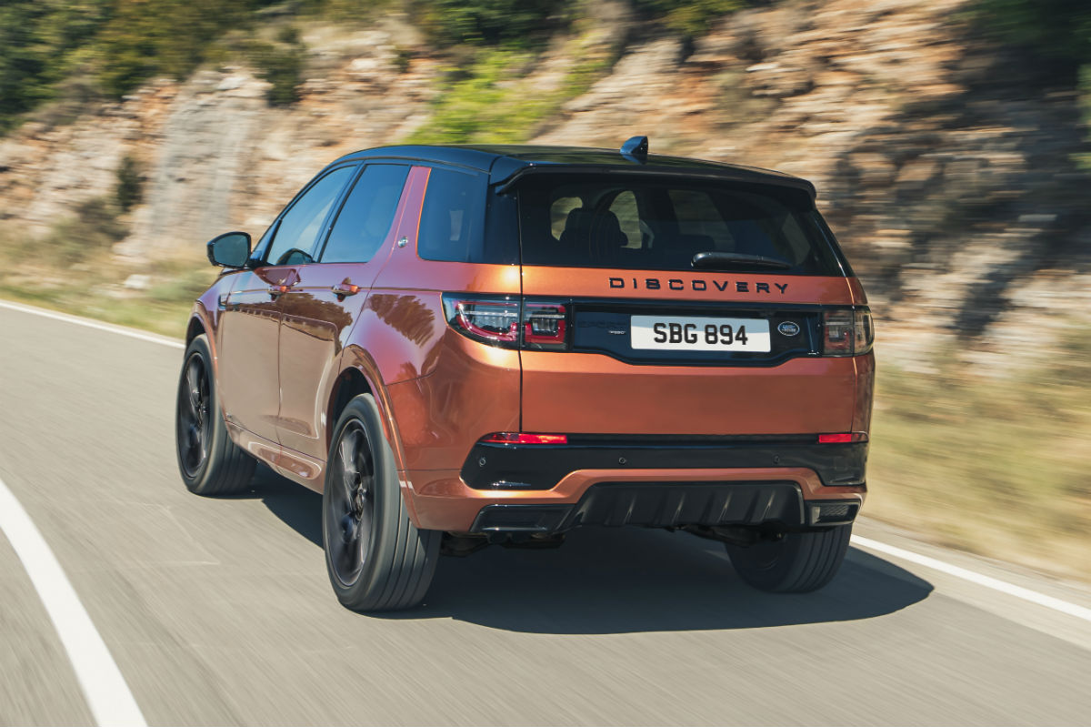 Land Rover Discovery Sport 2021 trasera