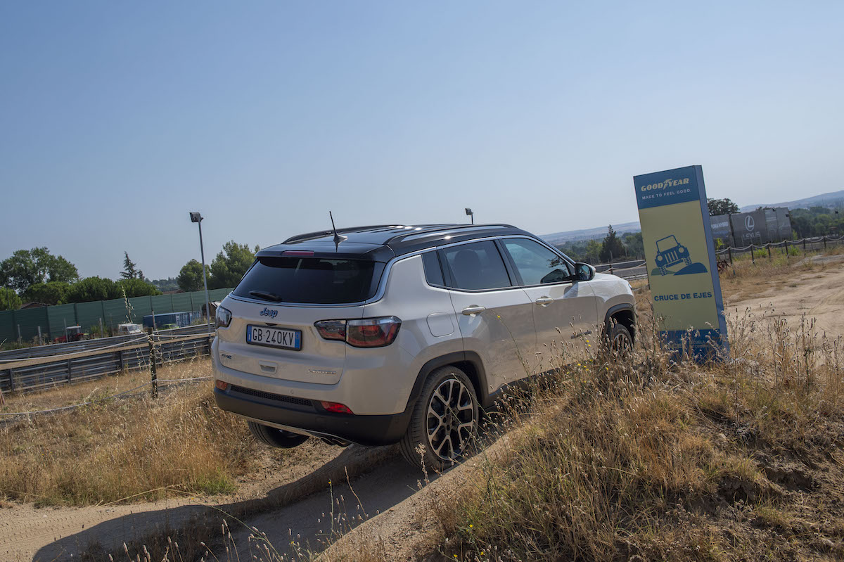 Jeep Compass GSE trasera
