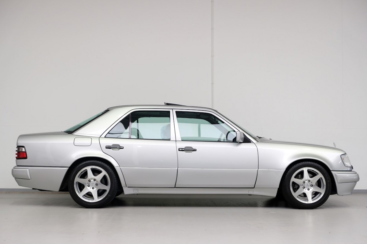 Mercedes-Benz E 500 Limited lateral