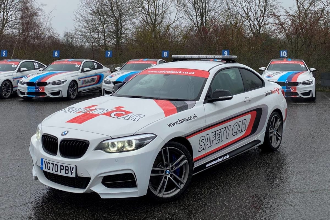 roban safety car Cadwell Park