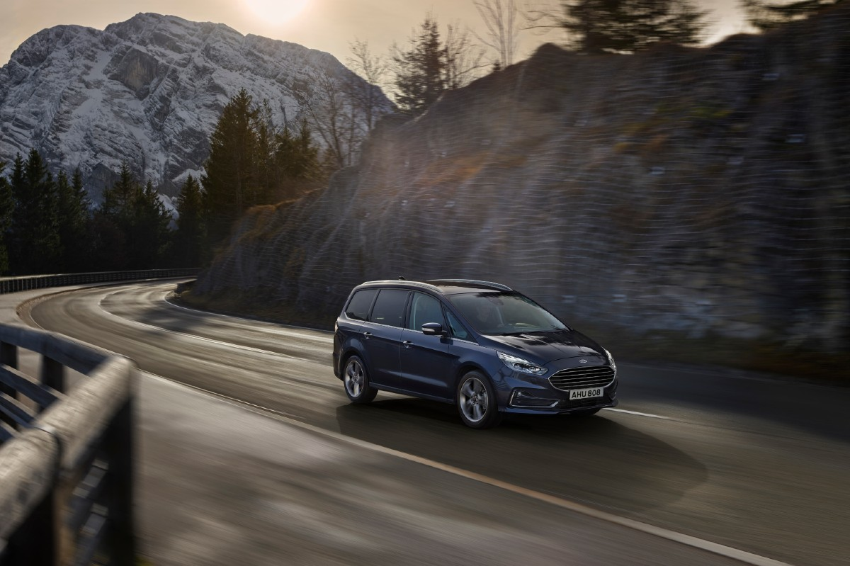 Ford S-Max Hybrid 2021 3/4 frontal