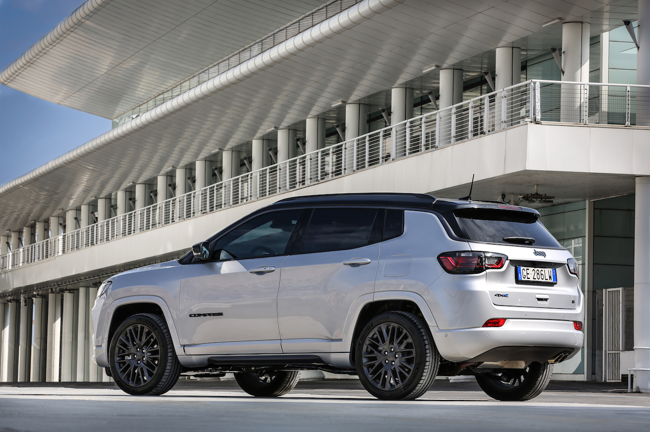 Jeep Compass 2021 restyling 3/4 trasera