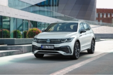 volkswagen tiguan allspace 2021 frontal lateral