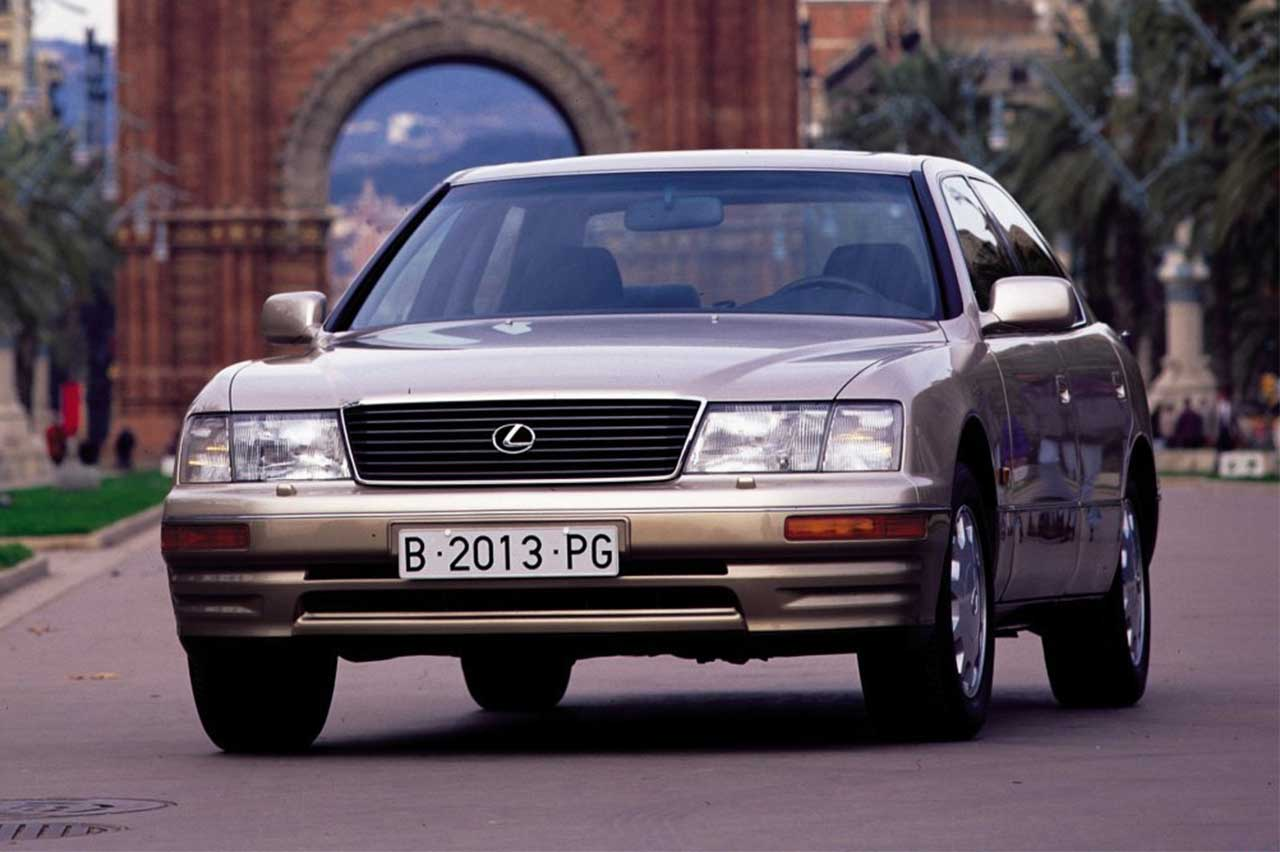 coches V8 japoneses
